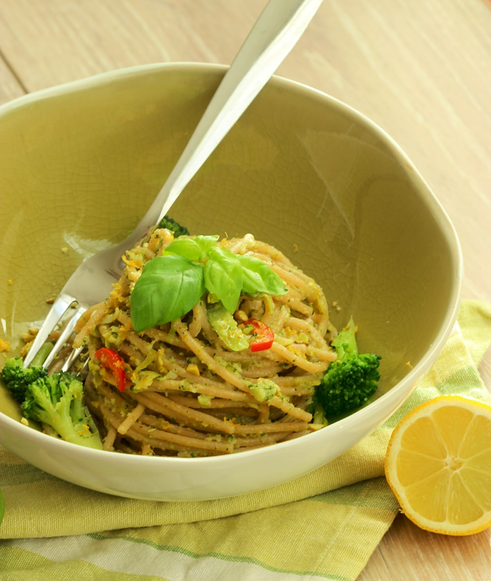 Vegan Spaghetti with Broccoli Pesto - The Petite Cook | The Petite ...